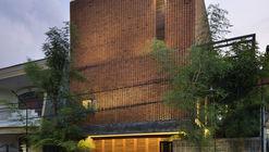 Casa Omah Boto / Andyrahman Architect
