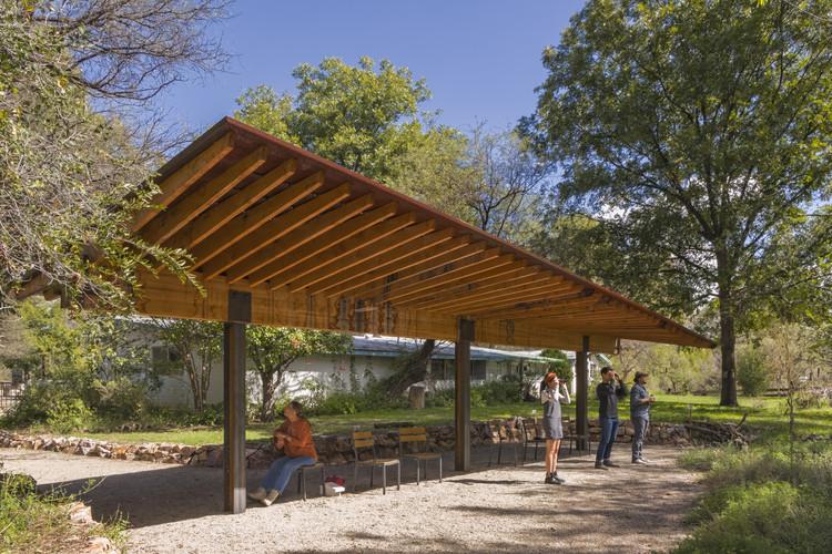 Tucson Audubon's Paton Center for Hummingbird's Wildlife Pavilion / DUST, © Jeff Goldberg/ESTO