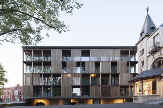 Shutterflats Apartment Building / Delmulle Delmulle Architecten