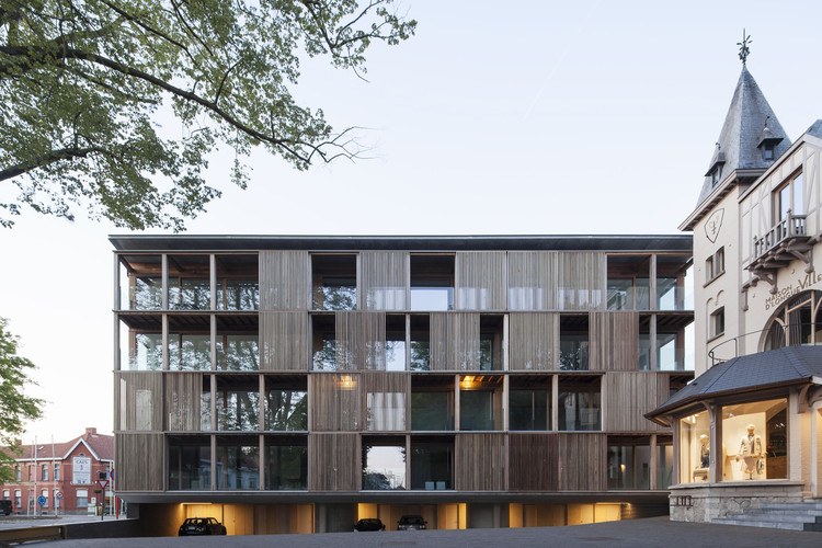 Edifício Shutterflats / Delmulle Delmulle Architecten, © Johnny Umans