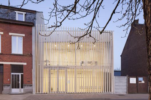 Puncture Medical Centre / Delmulle Delmulle Architecten