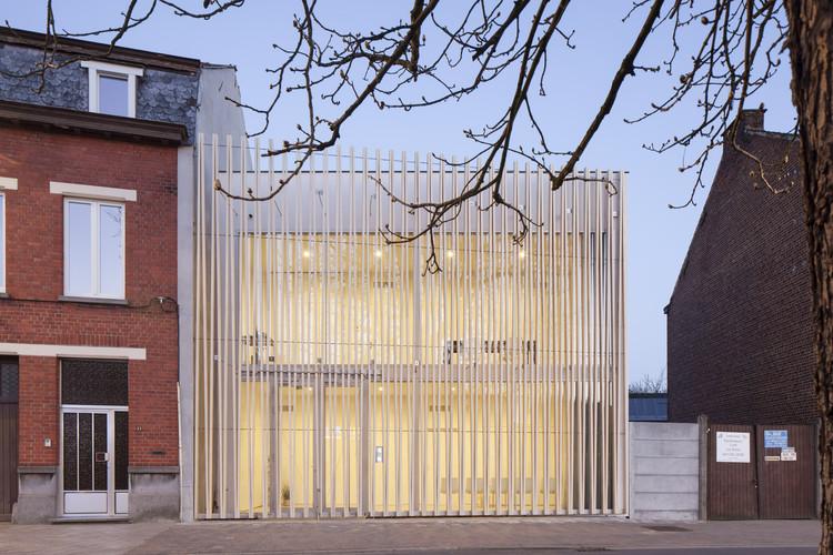 Centro médico de punção / Delmulle Delmulle Architecten, © Johnny Umans