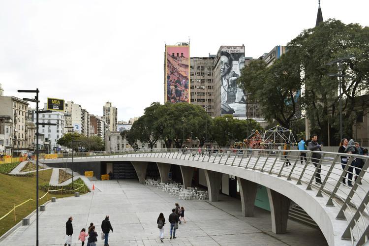 Reabre Plaza Houssay en Buenos Aires, © Belen Maiztegui