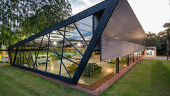 Garagem do Colecionador / HAUS Arquitetura e Incorporação