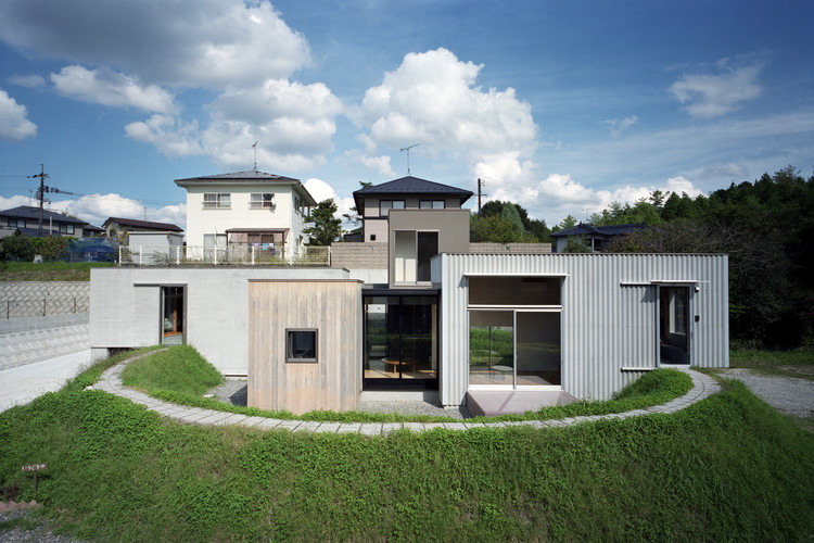 House in Higashi-Hiroshima / Fujiwaramuro Architects, © Katsuya. Taira