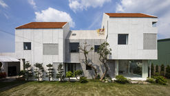 Villa T House / Time Architects