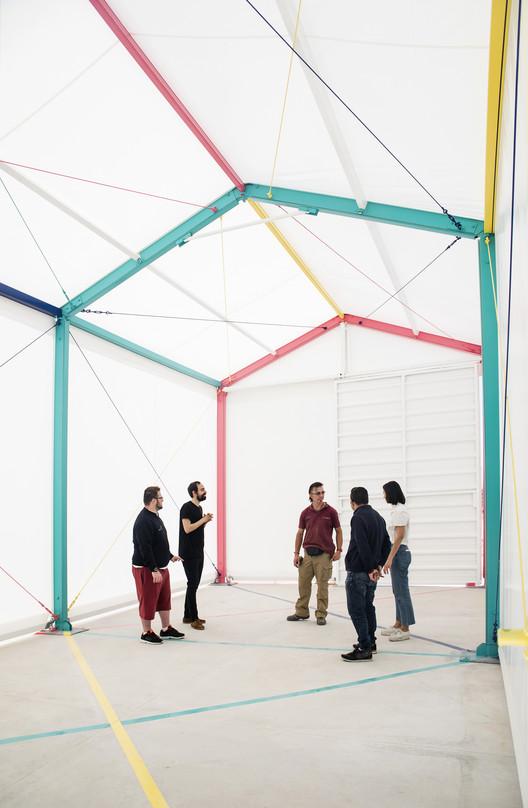 Pabellón multicolor / Martín Peláez, © Casilda de la Pisa
