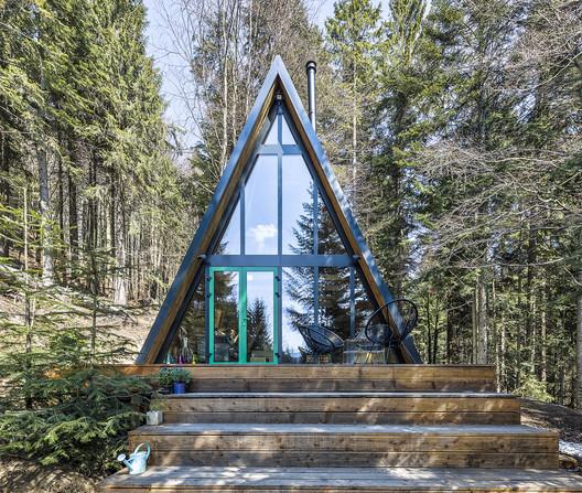 Chalet Cabin / Y100 Ateliér