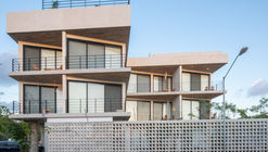 Hotel y condominio Balba / Marek