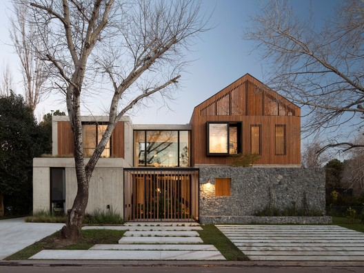 Carol House / Estudio LAK