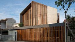 Rumah Beton House / PARISAULI ARSITEK STUDIO