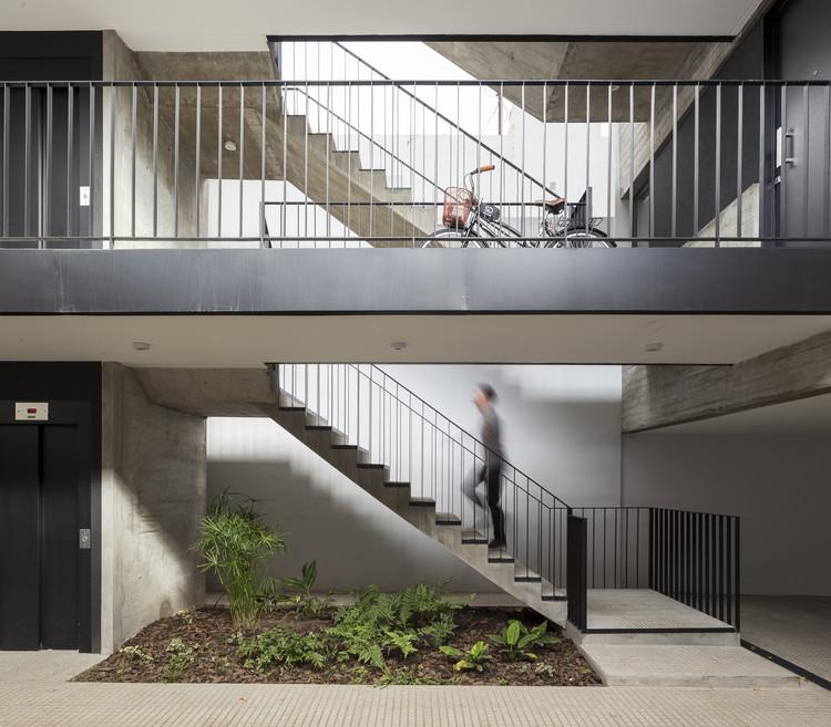Donado 2325 Building / Estudio NDG + Lautaro Malnatti, © Fernando Schapochnik