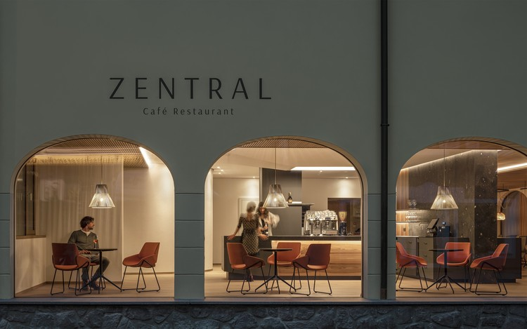ZENTRAL Café Restaurant / Messner Architects, © Oliver Jaist