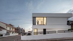 Casa MM / Sérgio Miguel Godinho Arquiteto
