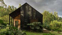 KDDK House / Karina Duque