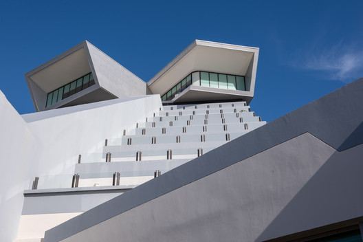 Showroom y ampliación Park Royal Cancún / Amezcua