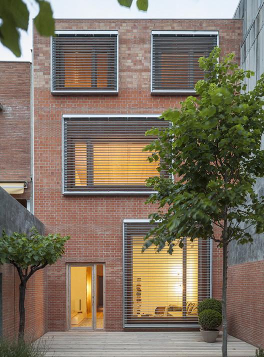 Casa 1014 / H Arquitectes. Image © Adrià Goula