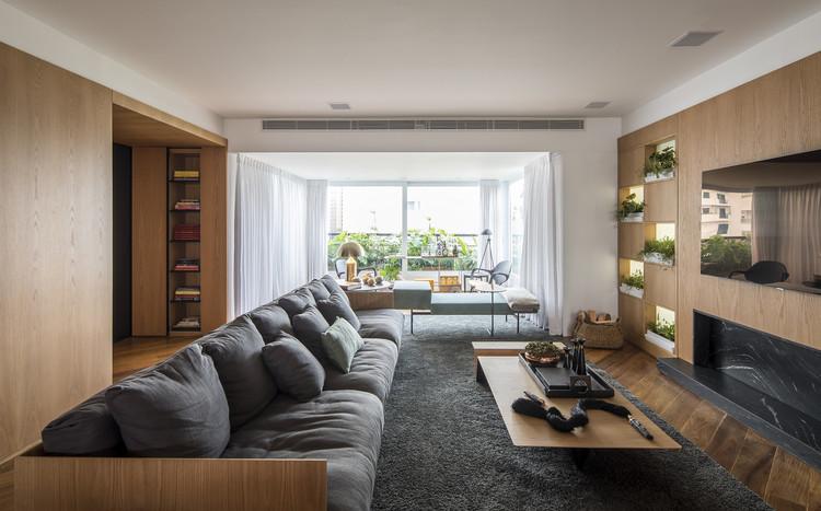 Apartamento CKO / David Ito Arquitetura, © Maíra Acayaba