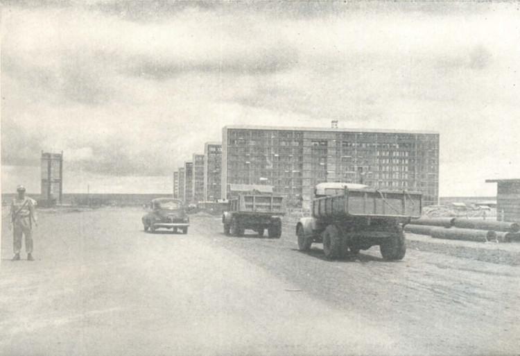 Brasília: uma cidade que não faríamos de novo, Esplanada dos Ministérios em 1959. Imagem: Revista Brasília, fotógrafo Mario Fontenelle. Image via Caos Planejado