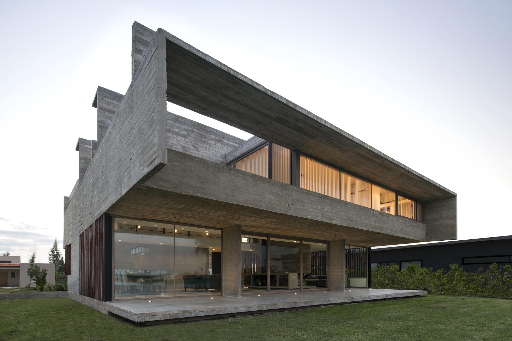 Casa 10 / Luciano Kruk   Plataforma Arquitectura