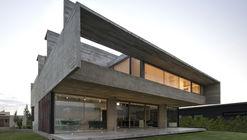 10 House / Luciano Kruk