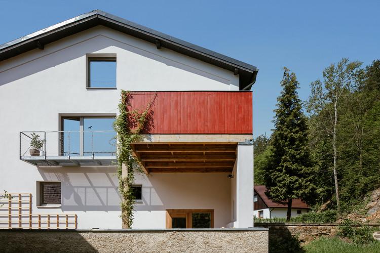Architect's Living in a Watermill / DEBYT, © Václav Novák