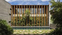 Poa House / Bernardes Arquitetura