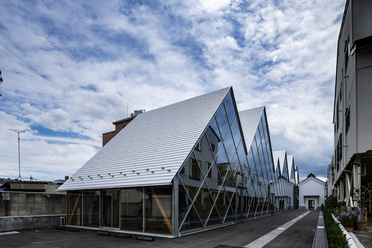 Tomioka Chamber of Commerce and Industry / Tezuka Architects, © Kida Katsuhisa - Fototeca