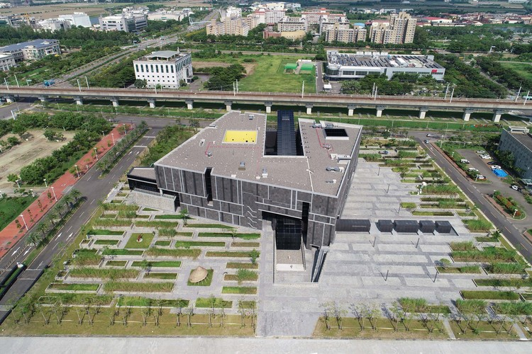 National Museum of Prehistory / KRIS YAO | ARTECH | ArchDaily