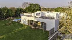 Amaltas House / SquareWorks
