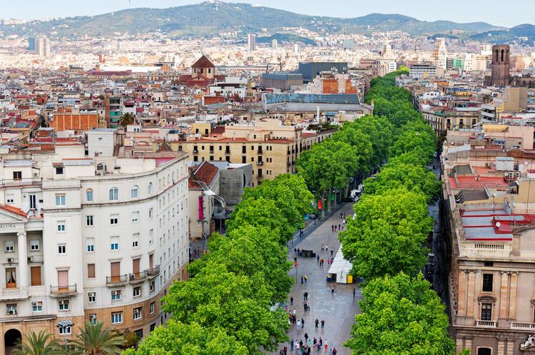 4 Conceitos emergentes que podem transformar cidades, Las Ramblas, em Barcelona. Foto: peresanz/iStock