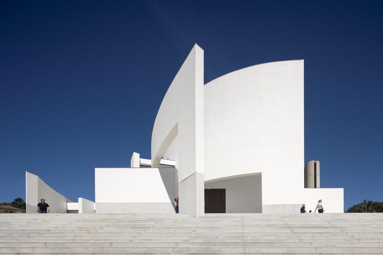 Igreja de Lagares / FCC Arquitectura, © Fernando Guerra | FG+SG