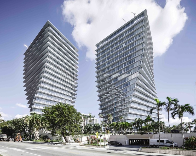 Miami Architecture Guide: 10 Places to Visit on Your First Trip, © Rasmus Hjortshøj. ImageGrove at Grand Bay / BIG