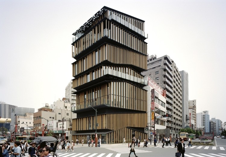 En perspectiva: Kengo Kuma, Asakusa Culture and Tourism Center. Image © Takeshi Yamagishi