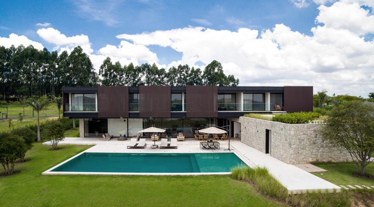 SL House / VERSA oficina de construção, arquitetura e urbanismo + Gabriel Barro Fiuza, © Marcelo Bruzzi