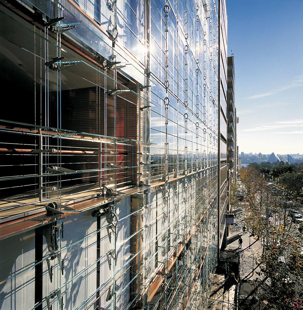 ¿Cómo funcionan las fachadas de doble piel?,© Martin Van der Wal