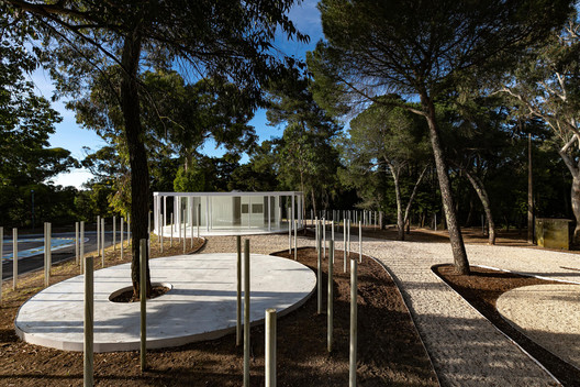 White Forest in Monsanto / Bruno Camara Arquitectos