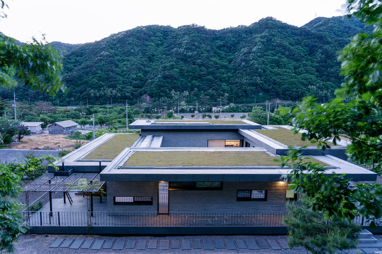 Inje Residence / YKH Associates, © Jung Dongwook