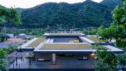 Residencia Inje / YKH Associates