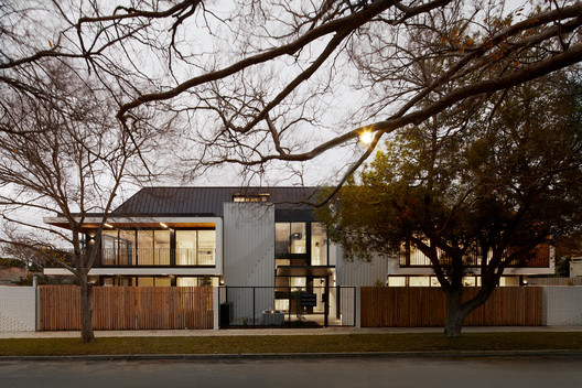 The Elms Boutique Apartments / Chan Architecture