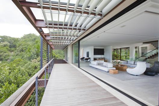 Residência Mata Atlântica / Indio da Costa Arquitetura