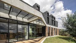 Casa en La Esperanza  / Plan:b arquitectos