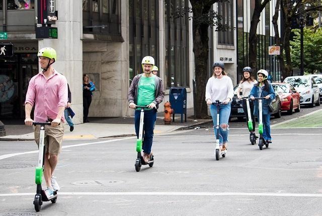 As regras para o uso de patinetes elétricos em sete cidades brasileiras, Os patinetes elétricos compartilhados estão chegando também às cidades brasileiras, e sete delas já possuem regulamentações específicas. Foto: Portland Bureau of Transportation/Flickr