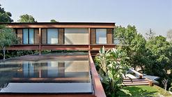 Encosta do Corcovado Residence / Indio da Costa Arquitetura
