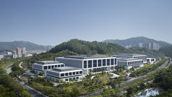 China Southern Power Grid Green Campus Offices  / von Gerkan, Marg and Partners Architects (gmp)