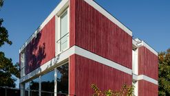 Red House / Nelson Resende