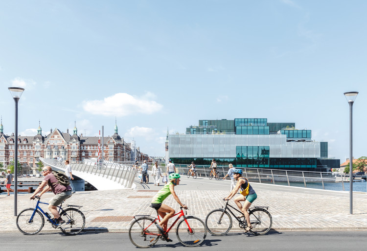 Lille Langebro Cycle and Pedestrian Bridge / WilkinsonEyre, © Rasmus Hjortshøj