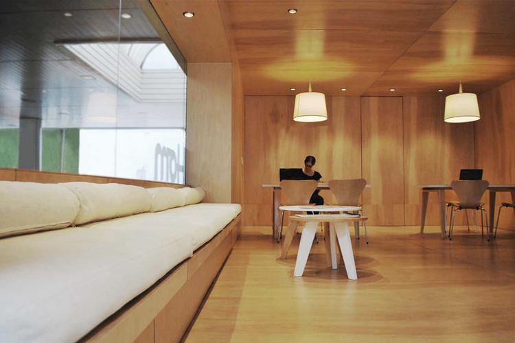 Oficina de ventas Agüero / Unoencinco Arquitectos. Image Cortesía de Unoencinco Arquitecto