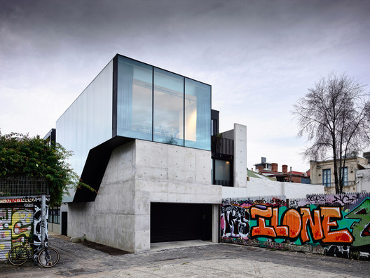 Fitzroy Lane House / Kennedy Nolan