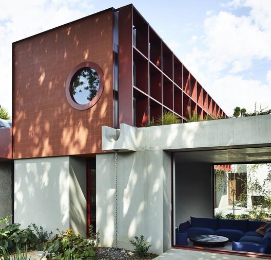 Oak House / Kennedy Nolan